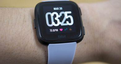 Smartwatch Fitbit Versa mới còn được đánh cao hơn cả Apple Watch